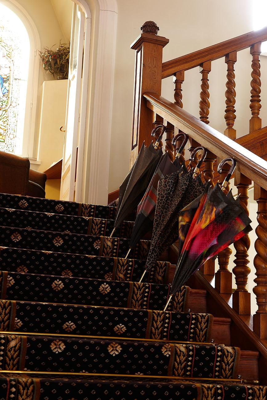 Sesión Fotográfica de Paraguas en el Hotel Villa Soro - Iñaki Caperochipi - Fotografía