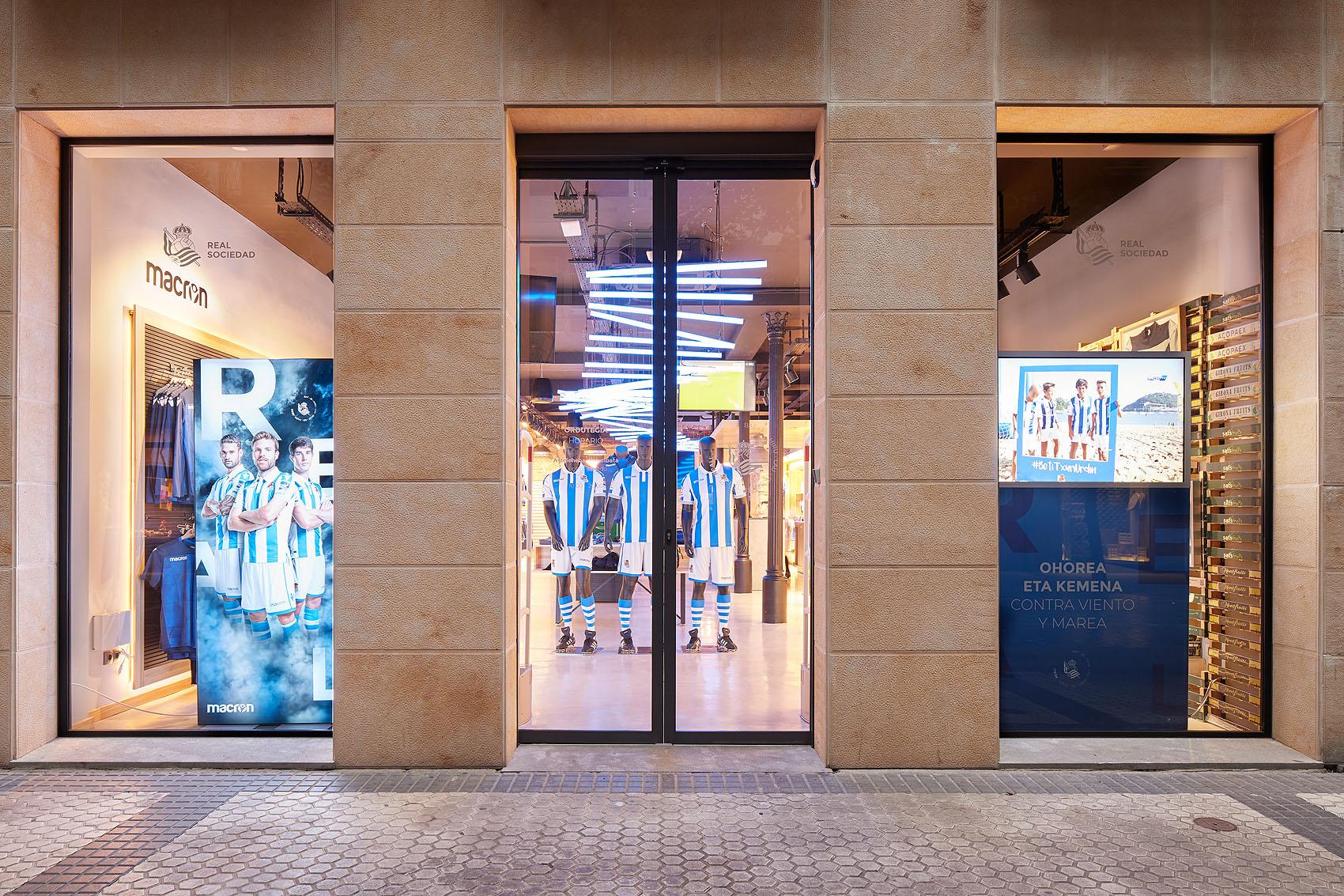 Real Sociedad Tienda Oficial - Iñaki Caperochipi - Fotografía