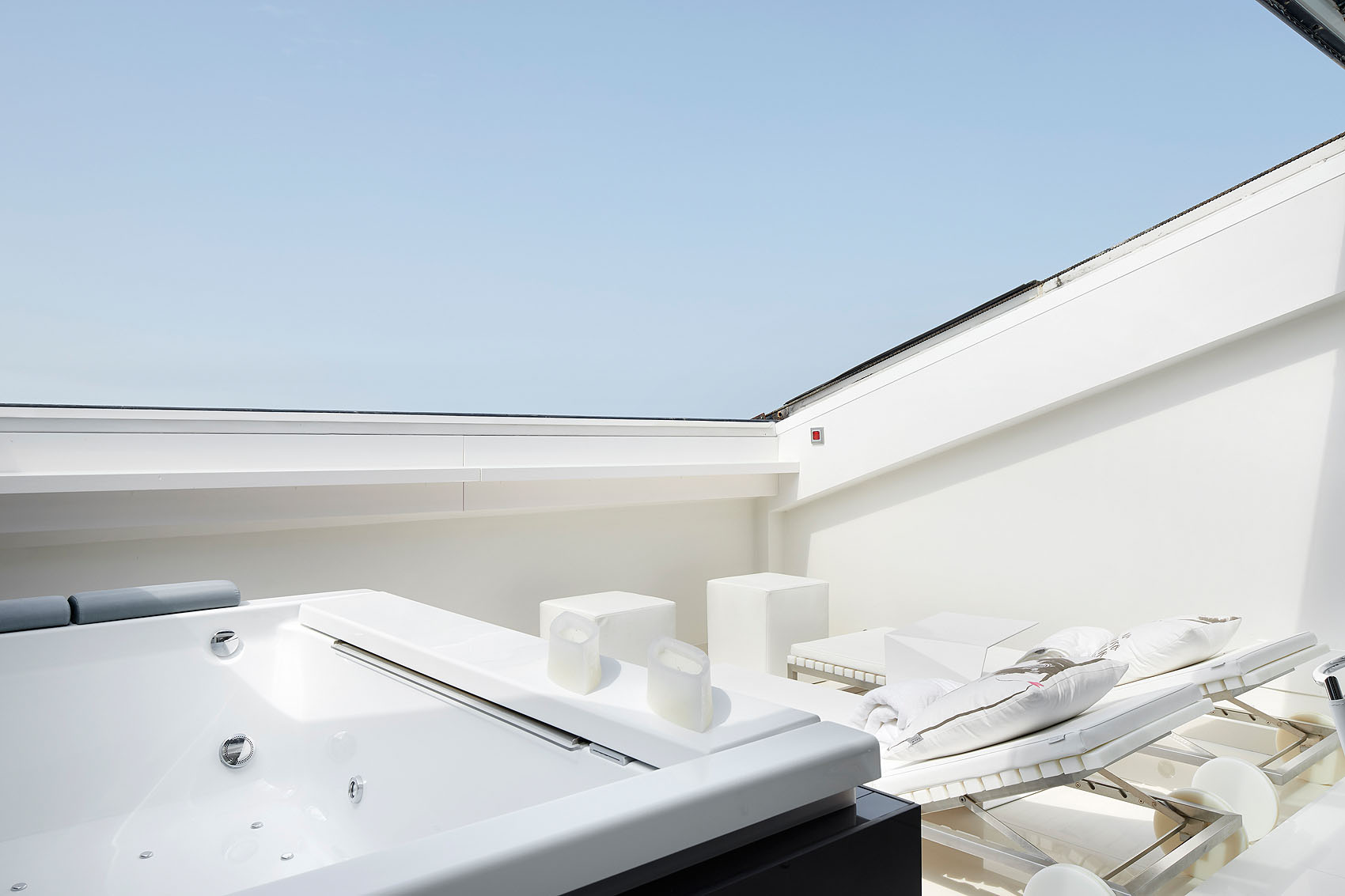 Duplex frente al mar por Maialen  Decoracion - Iñaki Caperochipi - Fotografía