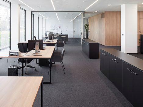 Instalación de mobiliario de oficina en Grupo Amenabar por Montte Projects - Iñaki Caperochipi